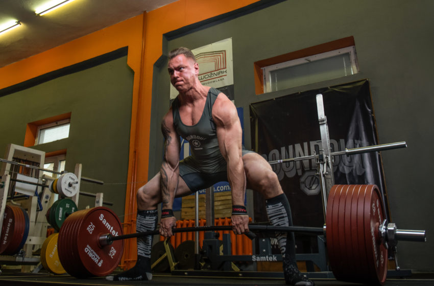 Stroje do ćwiczeń – jaki strój wybrać na siłownię?