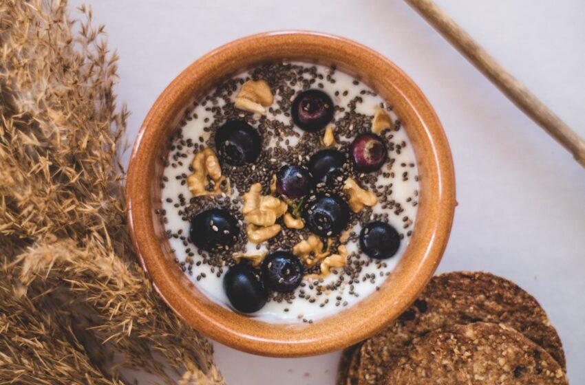 Jogurt naturalny i bakterie probiotyczne