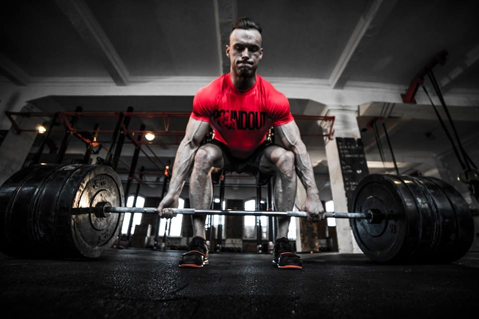 koszulki i legginsy sportowe na siłownię i trening